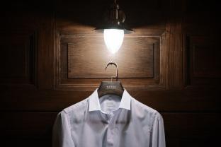 Košilové ramínko s tyčí