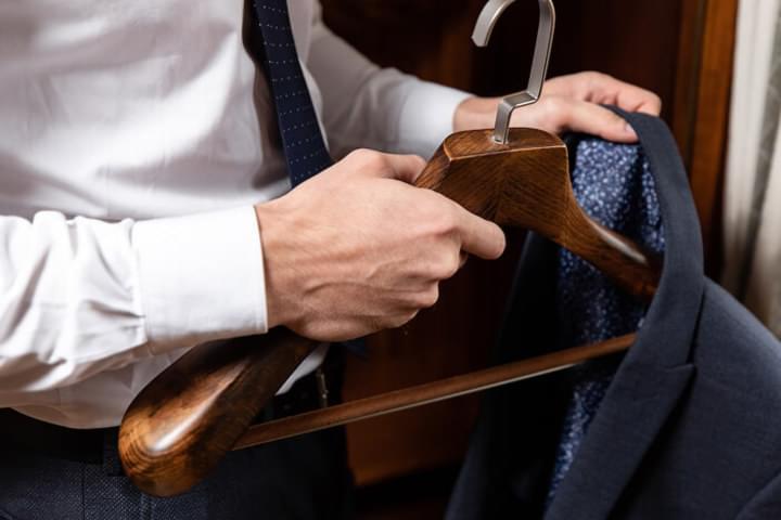 Šatníkové ramienka z masívu